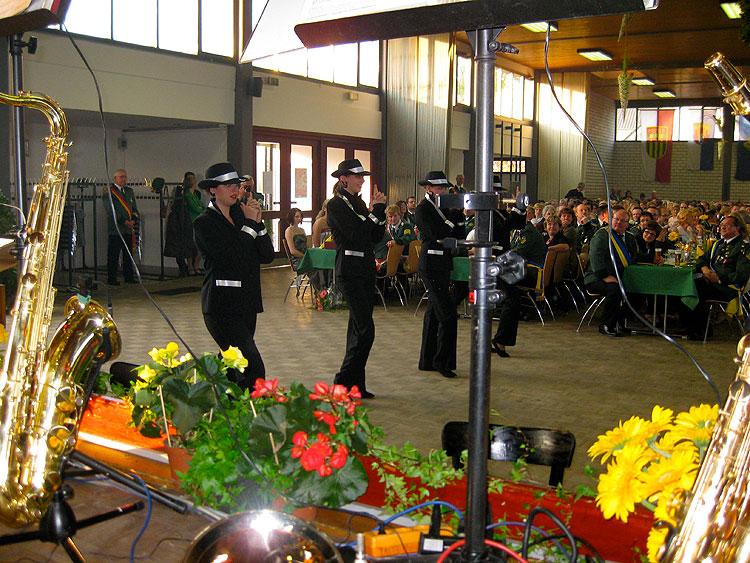 Königs- und Offiziersball in Neuenheerse